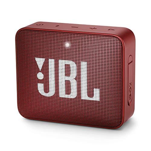 JBL GO 2 kleine Musikbox in Rot – Wasserfester, portabler Bluetooth-Lautsprecher mit Freisprechfunktion – Bis zu 5 Stunden Musikgenuss mit nur einer Akku-Ladung