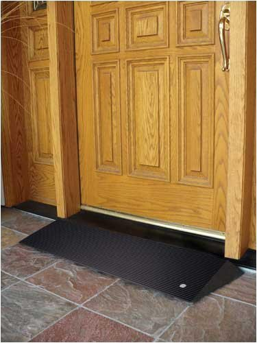 threshold-ramp-rubber-w-beveled-sides-by-everything-medical