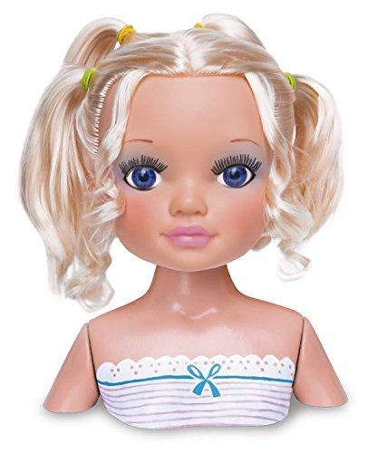 Nancy día de secretos de belleza: muñeca rubia, accesorios de maquillaje y peluquería (Famosa 700013522)