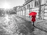 Fine Art Print–Tourist mit Rot Regenschirm, Malta von Assaf Frank Fotografie, 36 x 27