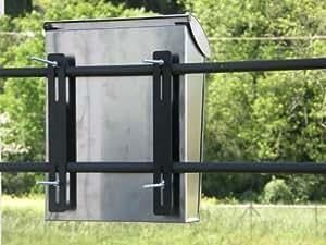arregui briefkasten befestigung f r z une eisentore gel nder 25 x 3 cm baumarkt. Black Bedroom Furniture Sets. Home Design Ideas