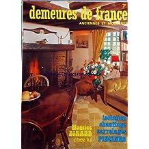 DEMEURES DE FRANCE du 01/12/1975 - maurice biraud chez lui les piscines, toujours en progres la haute couture des carrelages un constructeur, balency la madrague, un cite respecte dans la vallee du rhone - atmospheres chatelaines l'auvergne l'isolation beaute de judith paley