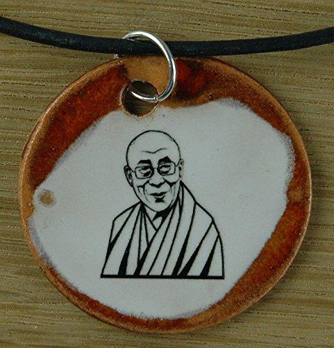 Echtes Kunsthandwerk: Schöner Keramik Anhänger mit dem Dalai Lama; Tibet, Buddhismus, Mönch