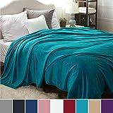 Bedsure Kuscheldecke XXL Flauschige Wohndecke Türkis 270x230cm - Fleece Tagesdecke für Bett - hochwertige Decke warme weiche Microfaser Fleecedecke