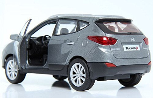 pino-bd-hyundai-ix35-138-diecast-vitrina-miniatura-sleek-silver-color