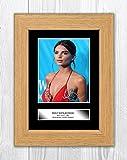 Engravia Digital Emily Ratajkowski 2 Reproduction d'autographe Photo Poster A4 Cadre en chêne.