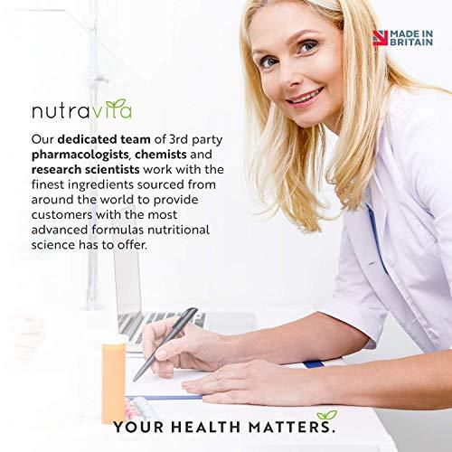 51XlWEwbvDL - Vitamina A 8000 UI - Suministro para 1 año - 365 cápsulas blandas de la máxima potencia, fáciles de tragar - 2400μg de vitamina A en cada cápsula - Producto elaborado por Nutravita en el Reino Unido