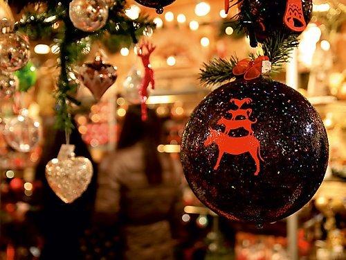 Ein Motiv aus dem Kalender Christmas Geschichten aus Bremen Weihnachtsmarkt 1000 Teile Puzzle quer (CALVENDO Orte)