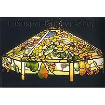 Una Tiffany lámpara de techo–Réplica en diseño 'Fauna' con langgliedrige Cadena para colgar.