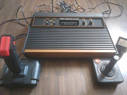 atari-2600-konsole-erstausfuehrung-mit-holz-design