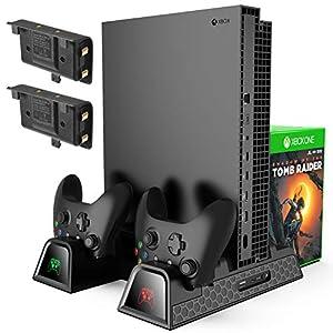 KINGTOP [4 in 1] Vertical Stand mit eingebautem Lüfter Kühlventilator, 2 Controller Ladegerät,Standfuß Ladestation, Schlitz-Spiel-Speicher, 2 600mAh Akkus, für Xbox One, One S, One X, Xbox Elite Noir