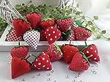 6 rote Erdbeeren aus verschiedenen rot/weißen Stoffen, Dekoerdbeeren,