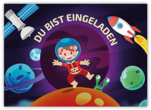 Preisvergleich Produktbild 12 Lustige Einladungskarten im Set für Kindergeburtstag Motiv Astronaut Weltall Party für Mädchen Jungen Kinder Karten witzig Einladung Geburtstag Rakete Planeten Mond Alien Satellit Universum Emoji