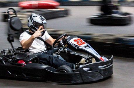 Jochen Schweizer Geschenkgutschein: Indoor Kart Fahren im Allgäu