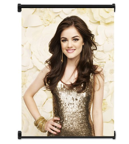 Lucy Hale TV Show Fabric Wall Scroll Poster (40.64 cm x 53.34 Zoll cm) ()