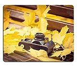Liili Mauspad Naturkautschuk Mousepad Bild-ID 33384917Vintage Kamera auf Bank aus Holz in Herbst Park Instagram Stil straffen Foto