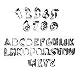 Set di 26 lettere alfabeto e 9 numeri stampi per biscotti / pasta di zucchero. Questi piccoli stampi in metallo hanno come tema l'alfabeto e includono 1 pezzo per ogni lettera del alfabeto e un pezzo per ogni numero da 0 a 8 (9 e 6 girato). G...