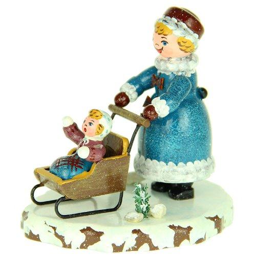 Hubrig Winterkinder Mädchen mit Kinderschlitten
