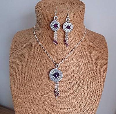 Parure spirale aluminium strié argent en ses perles. Coloris violet