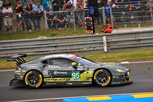 Fotografieren Hochwertiger Fotodruck eines Aston Martin Vantage no95 Racing bei die 24 Stunden von Le Mans 2016 Frankreich Landschaft Foto Farbe Bild Art Print ()