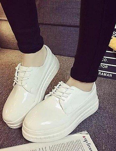 ZQ hug Scarpe Donna - Sneakers alla moda - Tempo libero / Formale - Comoda / Punta arrotondata - Plateau - Finta pelle - Nero / Bianco , white-us8 / eu39 / uk6 / cn39 , white-us8 / eu39 / uk6 / cn39 white-us8 / eu39 / uk6 / cn39