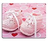 liili Mouse Pad de goma natural mousepad imagen ID: 5040357un par de color rosa baby Booties sobre un fondo de color rosa y Love Rosa Baby Booties