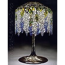 Lámpara de mesa–Réplica en una lámpara de Tiffany de diseño 'azul Lluvia' con soporte de lámpara adornado de bronce