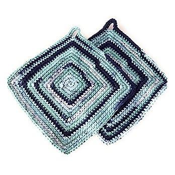 Topflappen dick gehäkelt ca. 19 x 19 cm quadratisch bunt (Blautöne)