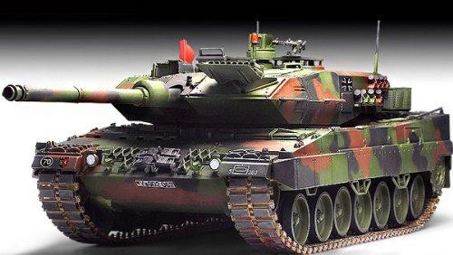 1/35 Leopard 2 A6 German Army Tank 13282 - Plastic Model Kit -