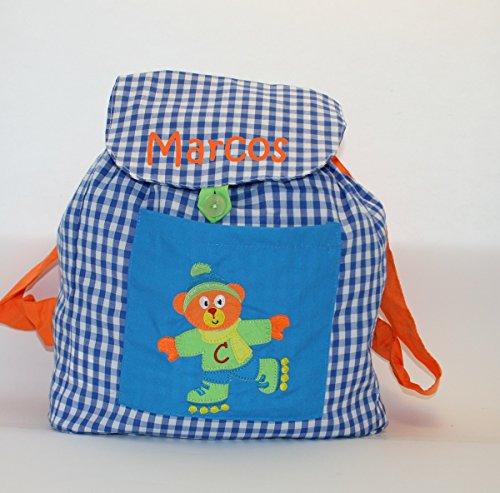 Imagen de bolsa  oso patinador, en tela vichy cuadros azules y blancos, personalizada con nombre. /31x26x13 cm./