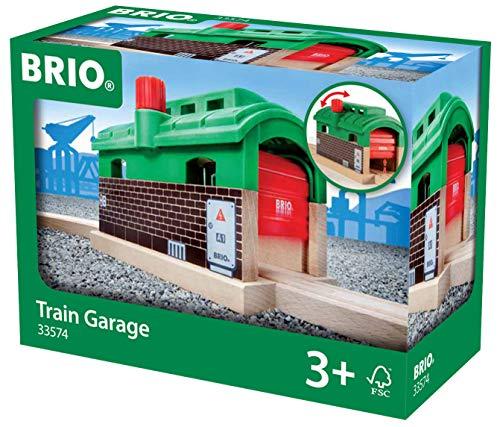 BRIO World 33574 - Lokschuppen mit Rolltor Signal Station