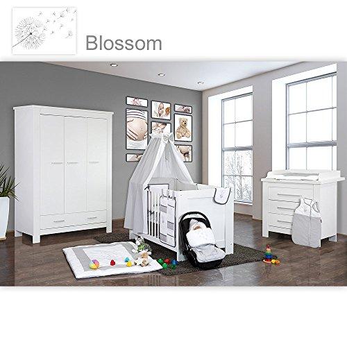 Babyzimmer Enni in weiss 21 tlg. mit 3 türigem Kl. + Textilien Blossom, Weiß / Grau