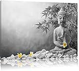 Buddha mit Monoi Blüte in der Hand schwarz/weiß Format: 100x70 auf Leinwand, XXL riesige Bilder fertig gerahmt mit Keilrahmen, Kunstdruck auf Wandbild mit Rahmen, günstiger als Gemälde oder Ölbild, kein Poster oder Plakat