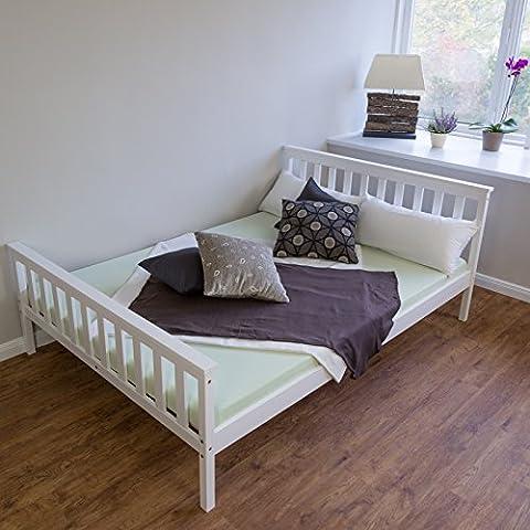 Homestyle4u 890 Sylt Holzbett Doppelbett aus Kiefer B x L: 140 cm x 200 cm Bettrahmen mit Lattenrost in Weiß mit natürlicher Maserung Holz Bett aus Massivholz Futonbett mit Bettgestell und Kopfteil und (Leichter Rost Matt)