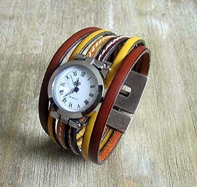 Montre bracelet manchette en cuir jaune moutarde et camel, cadran et fermoir argenté