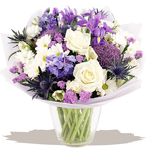 eden4flowers-bqf-cght-cottage-garden-flowers-bouquet-blue-white