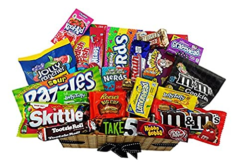 Grand panier de bonbons américains   Sélection de confiseries chocolats authentiques   Assortiment inclut Jolly Rancher Hersheys Reeses Skittles   Boîte effet panier osier de 28 pièces