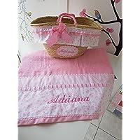 Capazo (cesta) y toalla rosa estrellitas