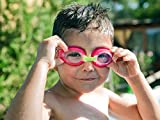 Premium Kinder Schwimmbrille von #DoYourSwimming - perfekte Passform für Kinder bis ca. 12Jahre / Anti-Beschlag-Schutz für kristallklare Sicht / verspielte Design - Chlorbrille, die Freude auf Schwimmen und Wasser macht. Eine ideale Kinderschwimmbrille inklusive Transportbox. Hoher Tragekomfort mit leicht verstellbaren Silikonband, kratzfesten Gläsern mit integrierten UV-Schutz AF-700 / grün/blau / FBA -