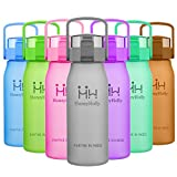 HoneyHolly Best Sports Trinkflasche Wasserflasche - 50oz/1.5L - Schneller Flow, Flip Top Leck Proof Lid mit einem Klick Open - Non-Toxic BPA Free & Eco-Friendly Tritan Co-Polyester Plastik- Für Running / Gym / Yoga / Radfahren / Outdoor / Camping / Großer Outdoor Fitness Training Krugbehälter - Grau
