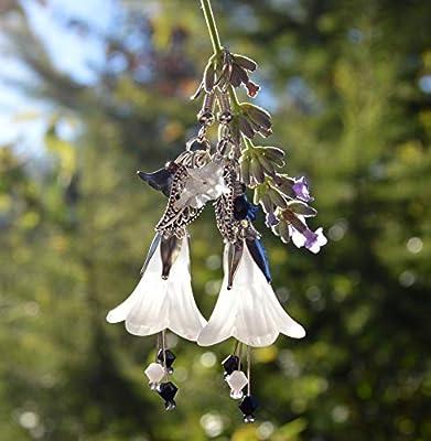 Boucles d'oreilles noir et blanc avec fleurs pendantes et cristaux Swarovski - bijoux camaïeu - clair de la lune - fée en hiver - mariage - jardin des elfes