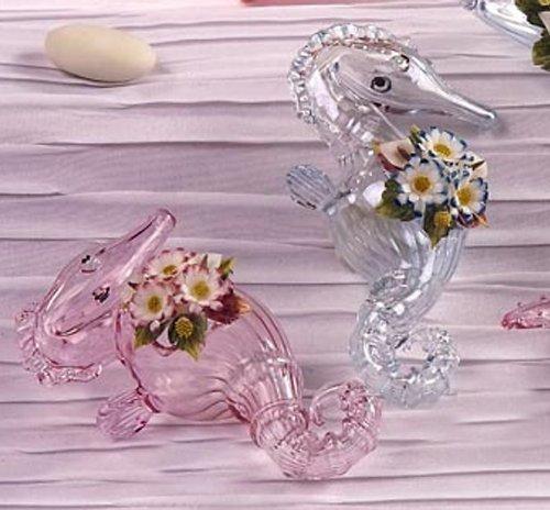 Idea bomboniere: ippocampo in vetro soffiato rosa con decoro fiori in porcellana. altezza 9cm