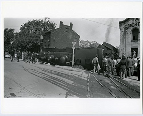 poster-a3-hamilton-canadian-national-railway-accident-on-ferguson-avenue-1953-05-27-original-photogr
