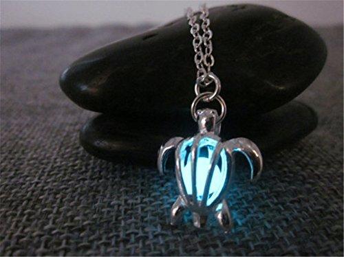 d&a Halskette mit Schildkröten-Motiv, leuchtende Halskette, im Dunkeln leuchtende Halskette, versilbert, leuchtet im Dunkeln