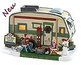 Lemax 85322 - High Rock Lake Trailer - Weihnachten im Wohnwagen - NEU 2018 - Vail Village - Beleuchteter LED Porzellan Wohn Wagen / Weihnachtshaus - Dekoration / Weihnachtsdeko - Weihnachtswelt / Weihnachtsdorf