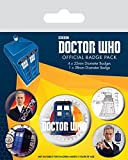 Doctor Who - Il Dodicesimo Dottore, 1 X 38mm & 4 X 25mm Badge Set di Badge (15 x 10cm)