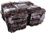 Felldecke XXL Kuscheldecke hochwertig 150x200cm in Geschenkbox Elegante Webpelzdecke ca. 900g/m², Farbe: Dunkelbraun - grau - gestreift