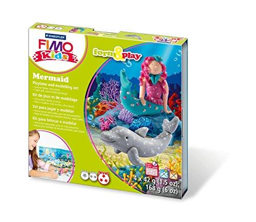 Fimo kids form&play Set Mermaid (superweiche, ofenhärtende Knete, kinderleichte Anleitung, wiederverschließbare Box, Set mit 4 Fimo Blöcken, 1 Modellierstab und 1 Spielkulisse) (Mermaid 1. Geburtstag)
