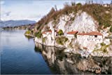 Alu Dibond 90 x 60 cm: Drone view of Santa caterina del Sasso hermitage, lake Maggiore, Italy de Matteo Colombo
