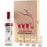Smirnoff Vodka Geschenkset - Auf dein Wohl - mit 0,7l Smirnoff und 4 Gläsern in bedruckter Geschenkverpackung mit Ihren Wunschnamen